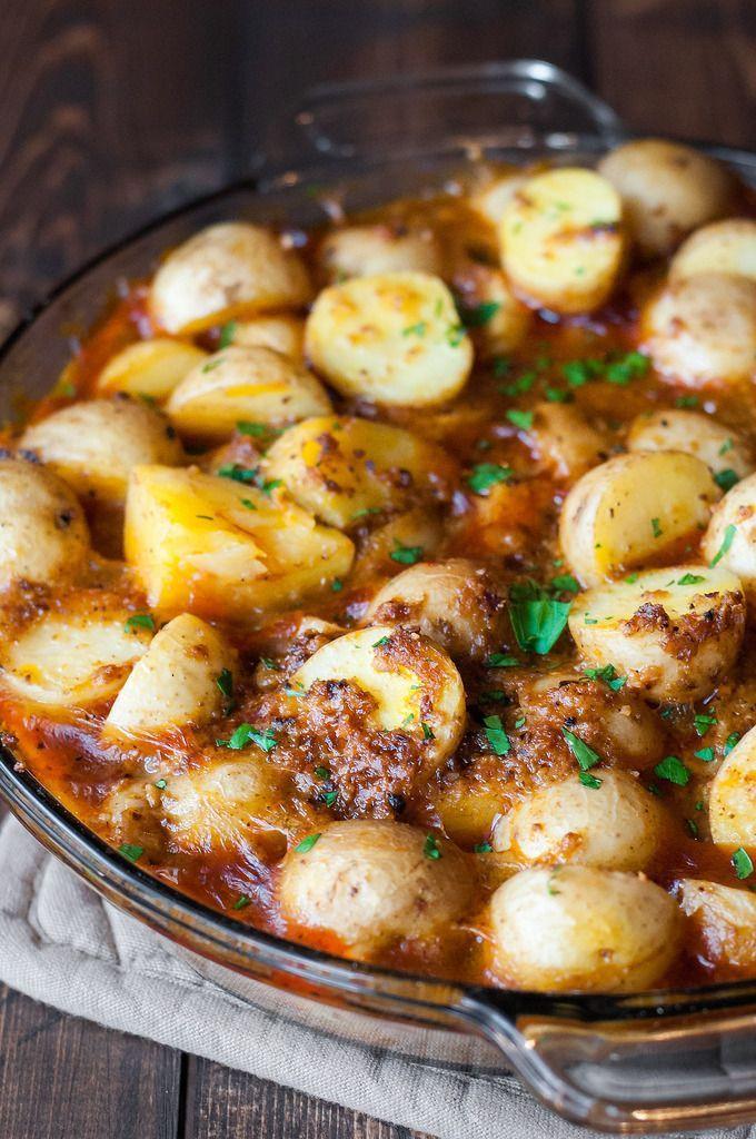 Hearty Vegan Spanish Potatoes by naturalcomfortkitchen #Potatoes