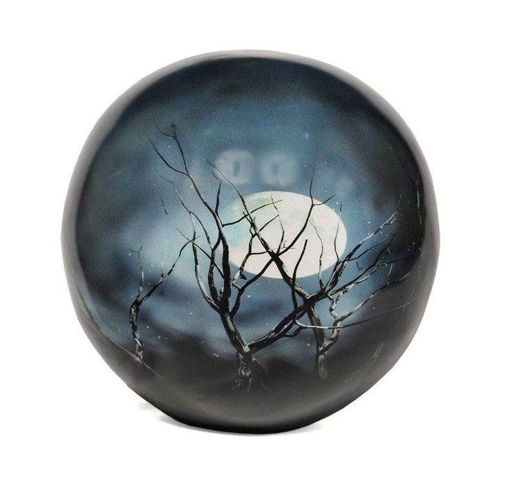 Memorials4u's Midnight Moon Sphere of life is elegant and affordable CREMATION URN . The urn is made from solid metal and the perfect lacquer coat to preserve its brilliance. It comes with bottom opening .