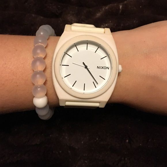 NIXON WATCH Adjustment white waterproof watch. New. No scratches or flaws. Nixon Accessories Watches