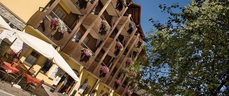 http://www.hotel-livigno.com/hotel-dettaglio/75/Hotel-Touring