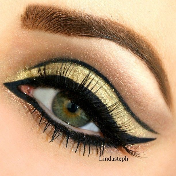 15 Glamorous Makeup Ideas                                                                                                                                                                                 More