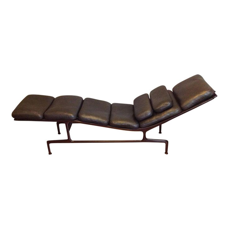 Image of Eames Billy Wilder Chaise for Herman Miller