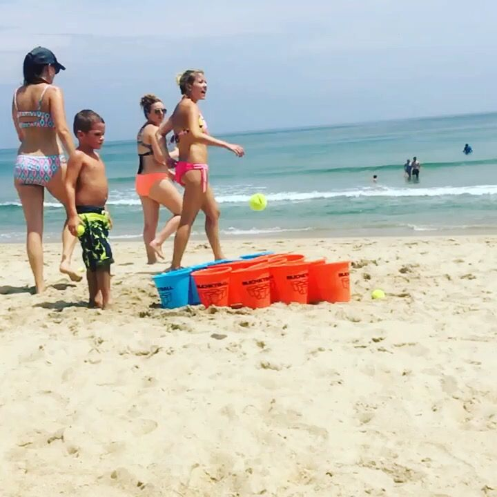 Mega-BucketBall at the beach