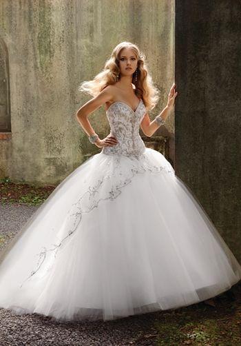 Beautiful princess ball gown wedding dress