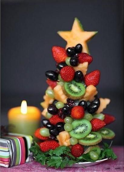 DIY Edible fruit Christmas tree perfect for dessert, a party or gift
