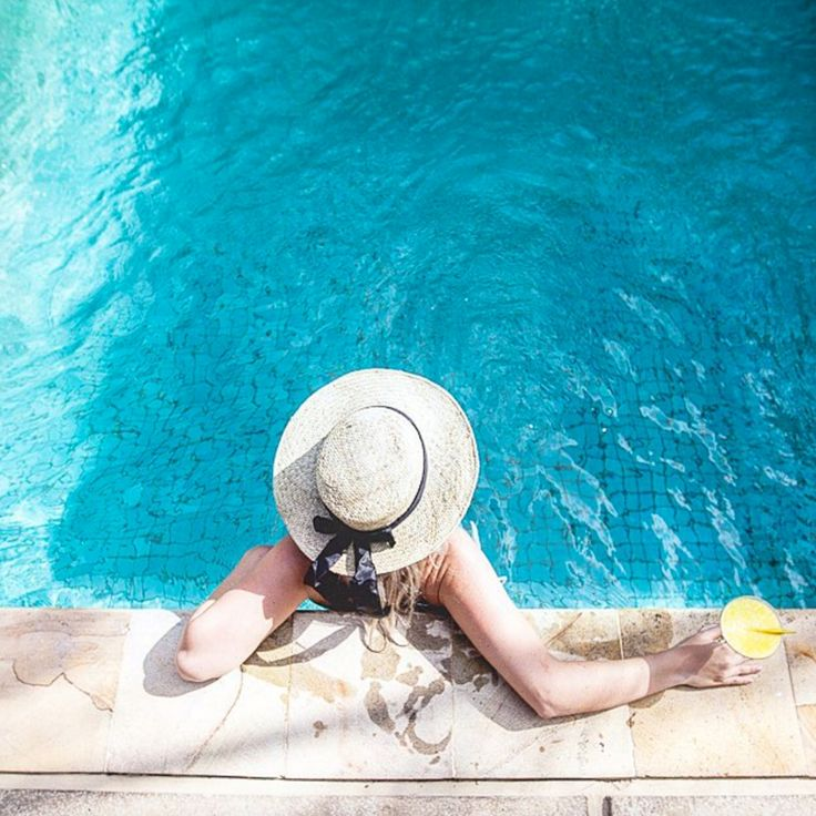 5 Times Not to Save Money While Traveling #theeverygirl