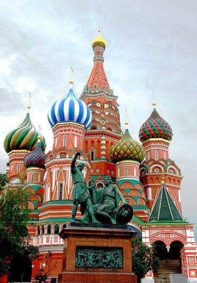 St. Basil's Cathedral, Russia My homeland <3 Cant wait to visit again! - Double click on the photo to get or sell a travel itinerary to #Russia