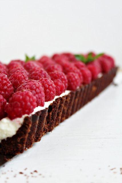 ... coconut raspberries tart ...