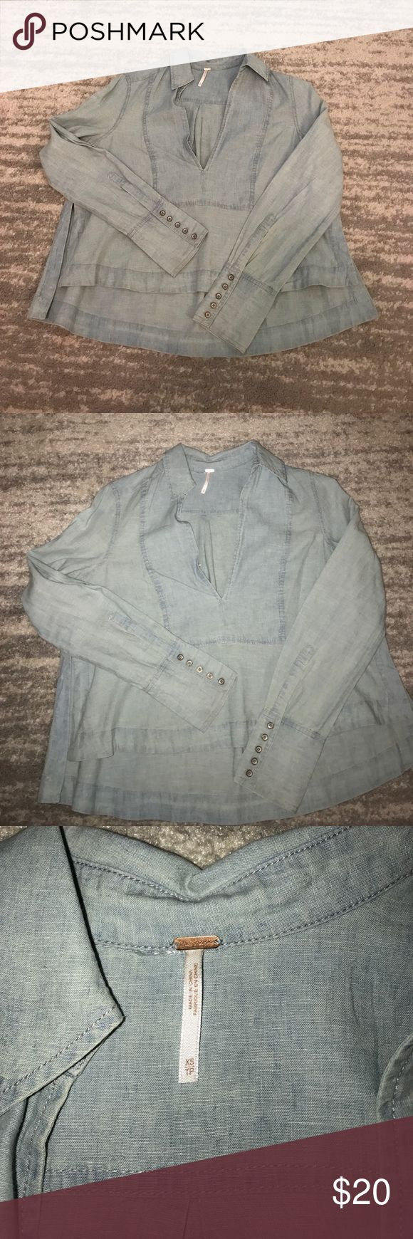 Free People Linen/Cotton Tunic ✨ Adorable free people tunic! Size XS, In perfect condition EXCEPT PLEASE SEE PHOTO of the clasp closure on the front of the top. It needs to be repaired but that is a very easy and inexpensive fix at your local dry cleaner! Only worn twice with no other flaws. Super cute look for a summer night! Very soft linen/cotton blend. Great price for this brand, MAKE AN OFFER ‼️ Free People Tops Blouses