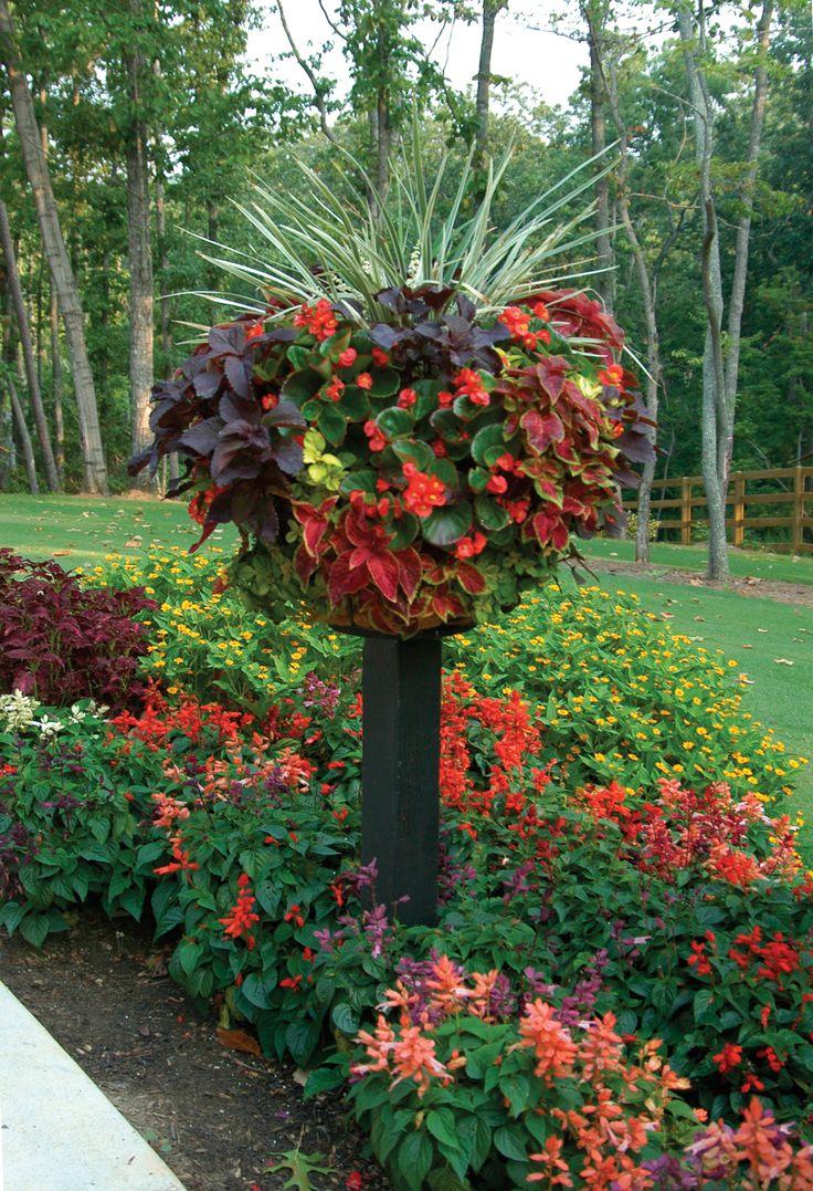 Border Columns Basket Planters Flower Baskets 187 Side