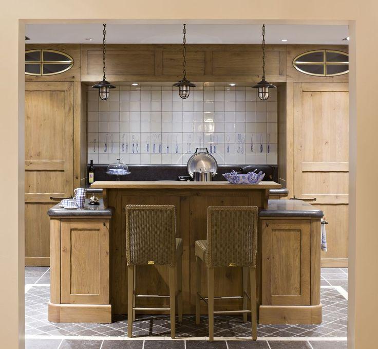 Kitchen   glass in upper units