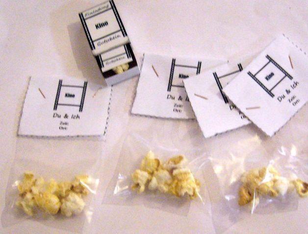 Tütenzauber Einladung Kino 3 D Einladungskarte  von ღKreawusel-Designღ auf DaWanda.com