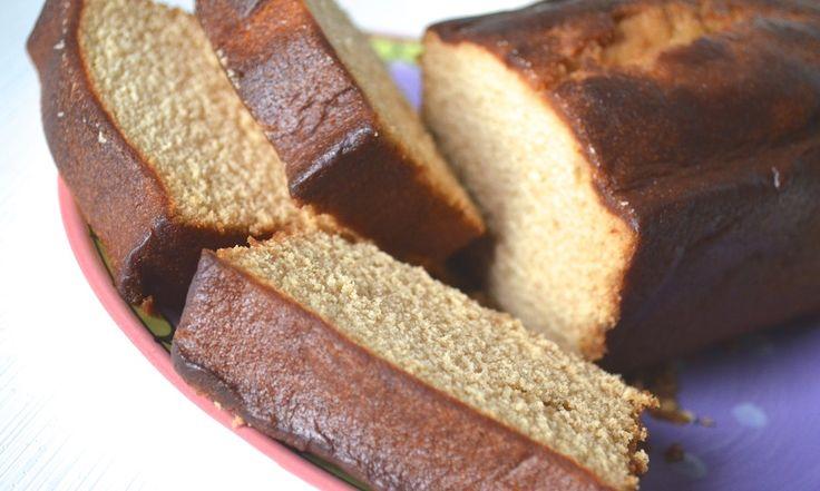 Recept: Indische cake   INGREDIENTEN  250 gram boter - 175 gram basterdsuiker - 6 eierdooiers - 250 gram zelfrijzend bakmeel - 4 theelepels kaneel - 1 theelepel kruidnagelpoeder - 2 theelepels kardamompoeder - 1 theelepel nootmuskaat - 1 zakje vanillesuiker - 4 eiwitten - poedersuiker  http://www.smulweb.nl/recepten/749220/Indische-spekkoekcake
