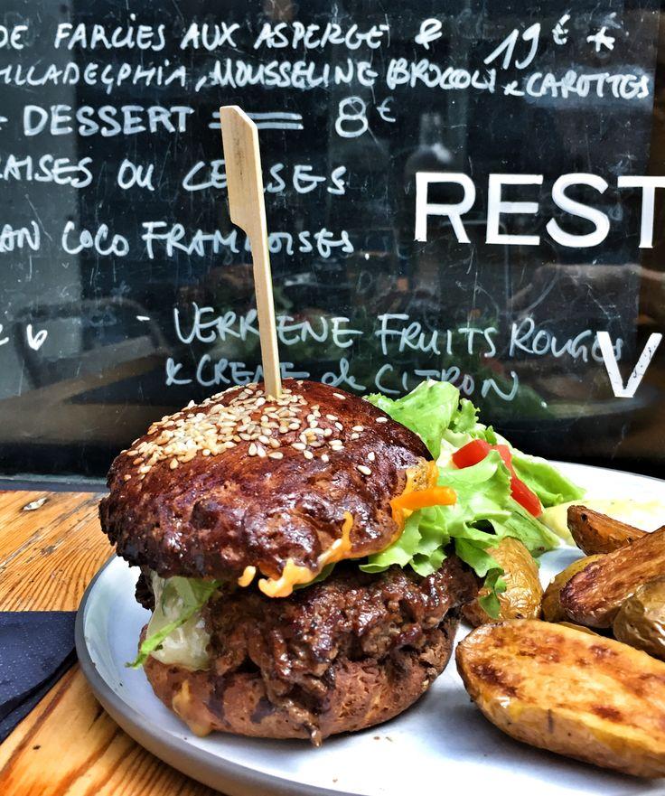 Burger at Noglu Paris - My Gluten Free Food Tour in Paris