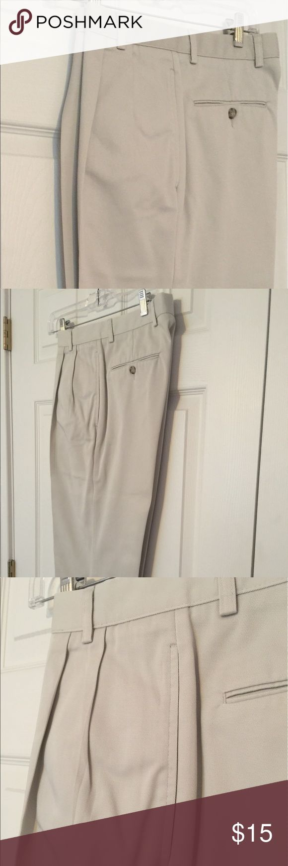 Men's khaki casual pants Men's casual khaki pants from Dockers. Straight leg, pleated front. 32' x 32' is the size. Excellent condition. Dockers Pants Chinos & Khakis