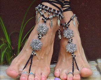 Black Silver BOHEMIAN BAREFOOT WEDDING sandals Bare feet Gypsy Sandal New Years Party Crochet foot jewelry Flower Toe anklet Goth jewelry