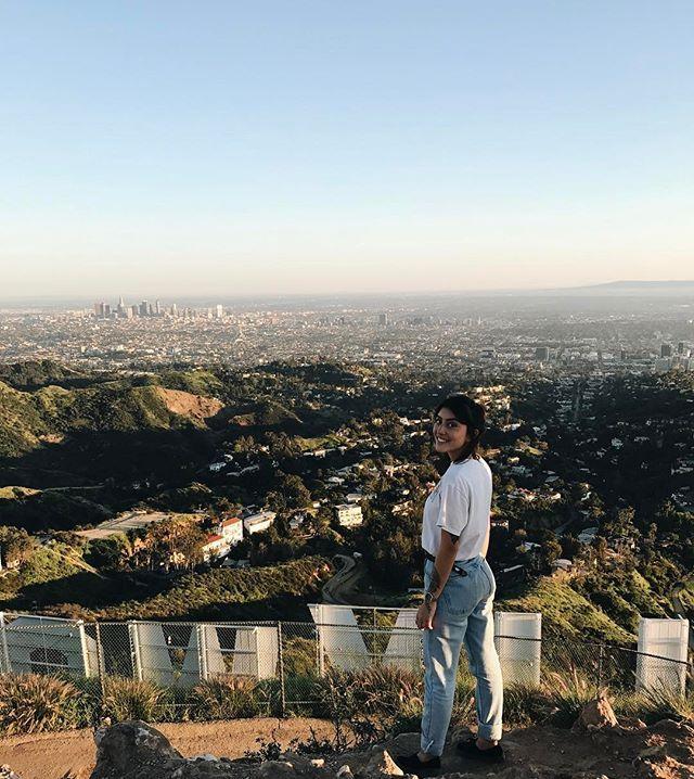 8. Monte jusqu'en haut du mont Lee pour te rendre au panneau Hollywood