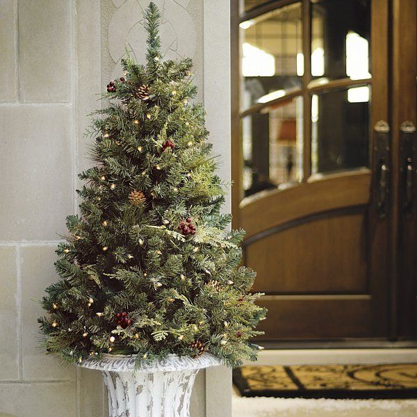 25+ Unique Outdoor Christmas Trees Ideas On Pinterest