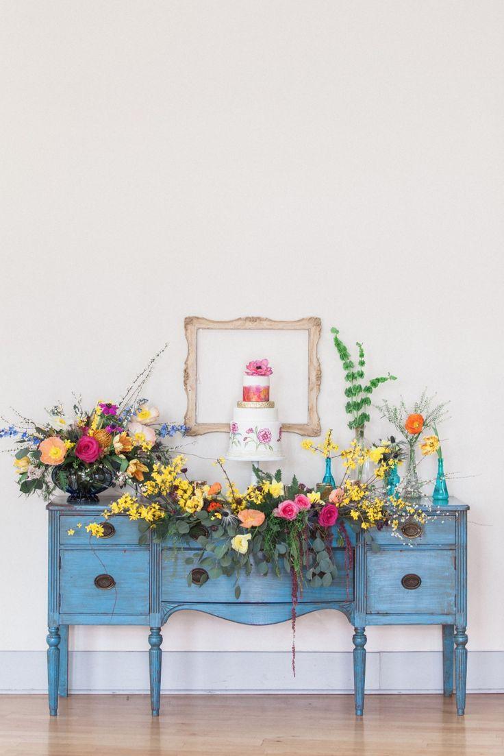 Vintage cake stand idea