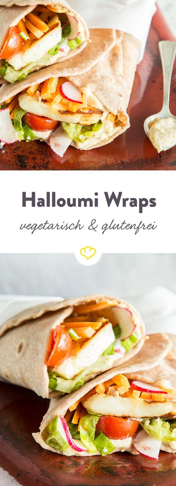 Einen leckeren Wrap kann man auch glutenfrei und dazu noch ganz ohne Fleisch genießen. Der quietschige Halloumi Käse macht nämlich in selbstgemachten, glutenfreien Buchweizentortillas eine besonders gute Figur. In der Pfanne angegrillt wird er auf buntem Salat gebettet und kann es sich mit cremigem Hummus eng eingerollt gemütlich machen.