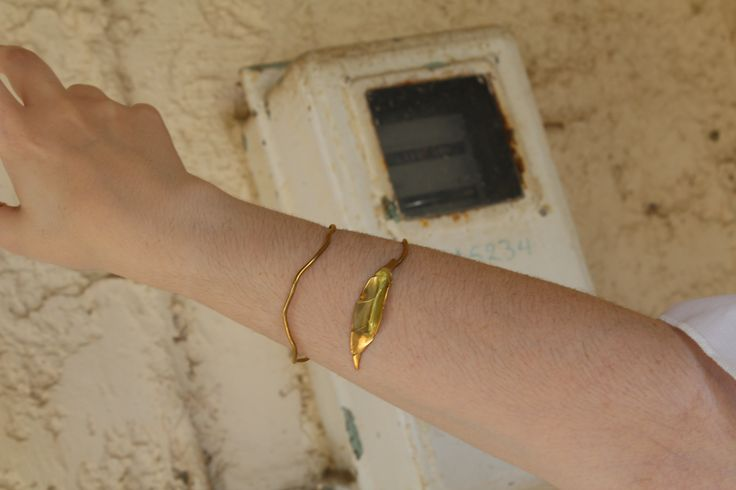 Golden Leaf Bracelet. #etsy #etsyfinds #style #fashion #bracelet #jewelry #women