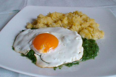 Spinat mit Spiegelei und Kartoffelschmarren