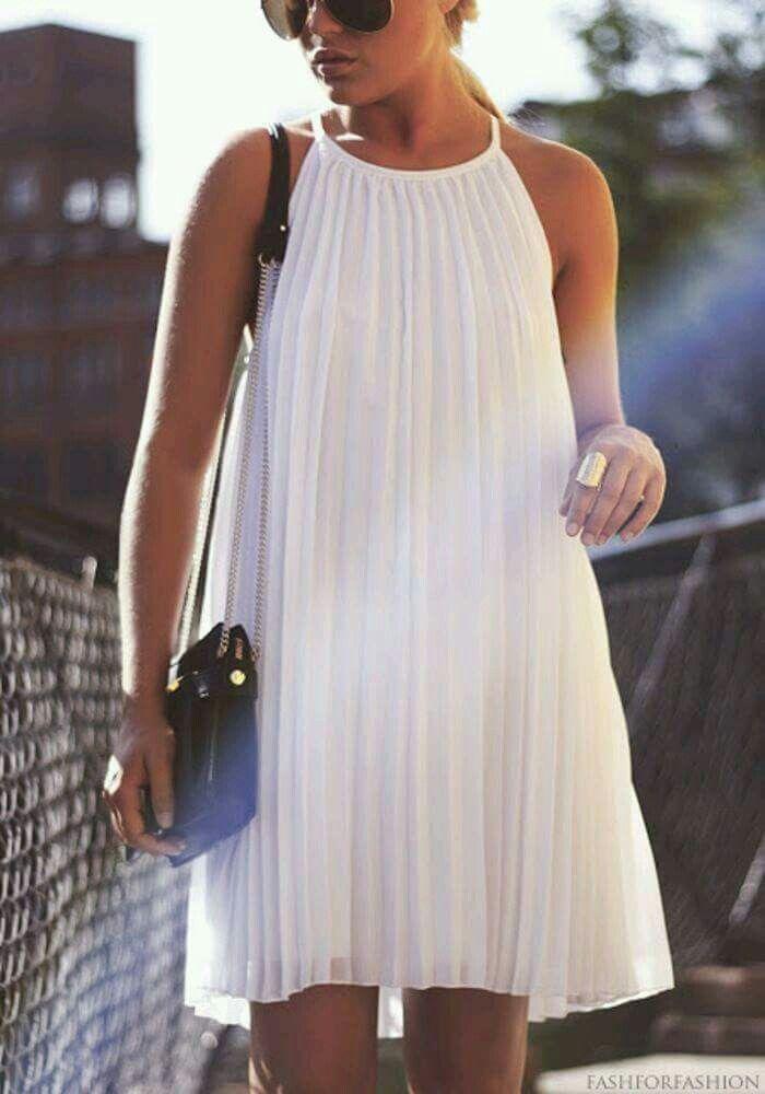 Vestido blanco corto plisado