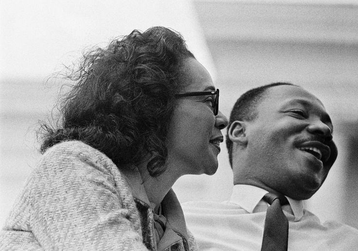 Coretta Scott King and Martin Luther King.