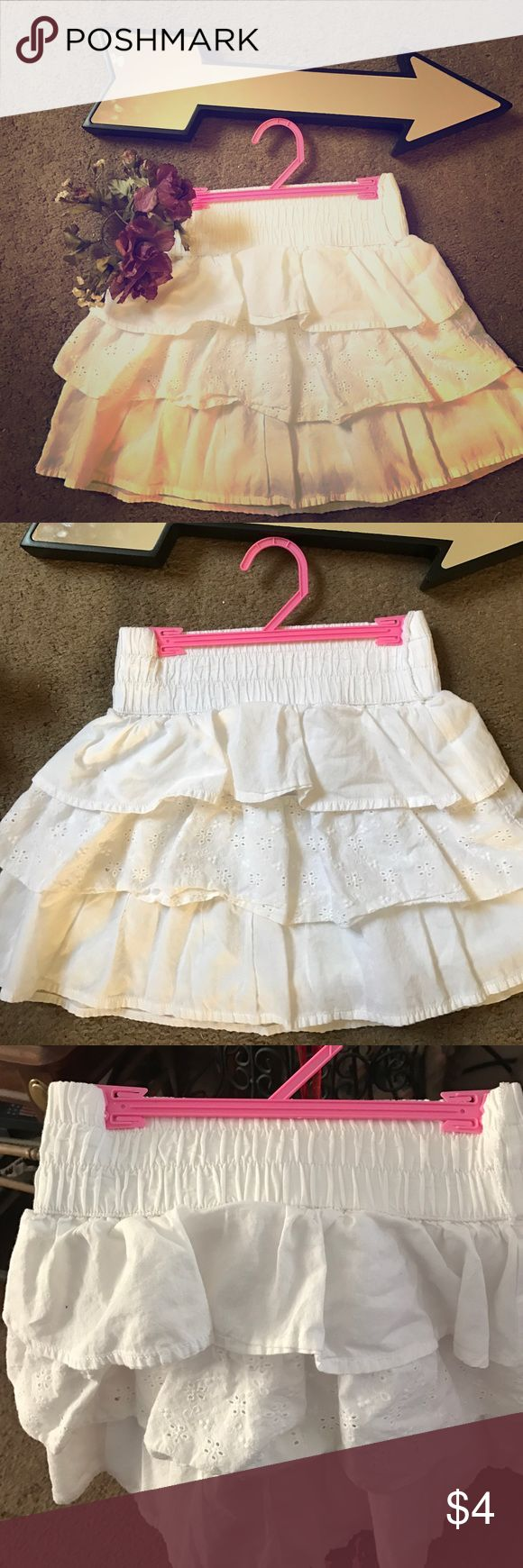 CATO WHITE EYELET SKIRT CUTE EYELET SKIRT. SO CUTE. STRETCH WAIST. NO STAINS Cato Bottoms Skirts