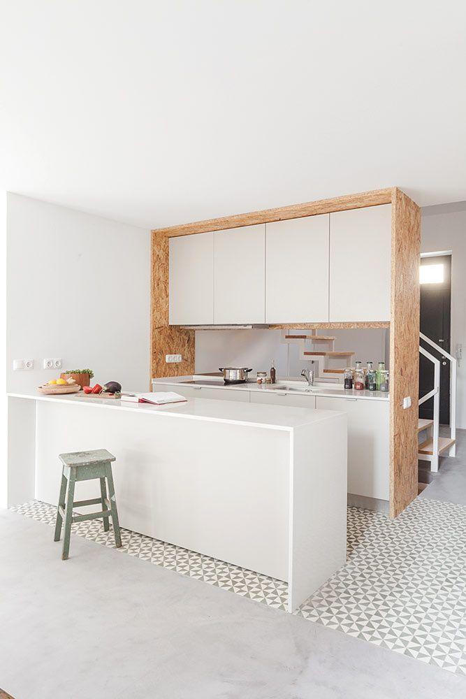 este loft situada en portugal es el hogar taller y almacn de un artista
