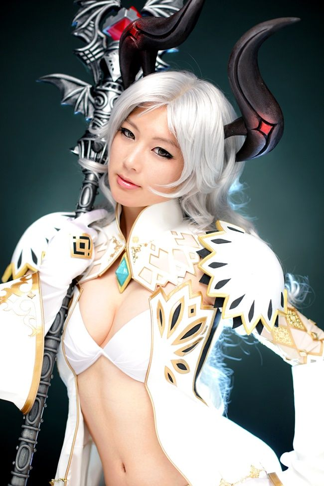korean cosplay model [Bluehole Studio] 테라 케스타닉 사제 - 도레미