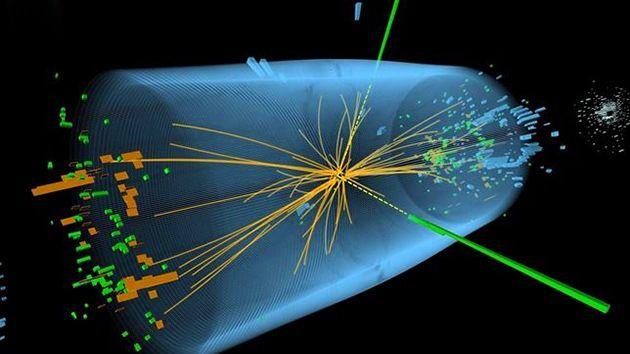 El bosón de Higgs descubierto por el Gran Colisionador en 2013 puede ser falso Publicado: 9 nov 2014   Texto completo en: http://actualidad.rt.com/ciencias/view/146430-boson-higgs-gran-colisionador-falso  Según la nueva investigación, los científicos que trabajan con el Gran Colisionador de hadrones pudieron equivocarse y en vez del bosón de Higgs descubrieron una partícula completamente diferente.