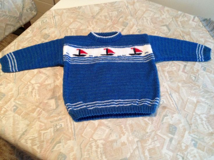 Blue hand knitted kids sweater with sailing boats - Blauwe handgebreide kindertrui met zeilbootjes