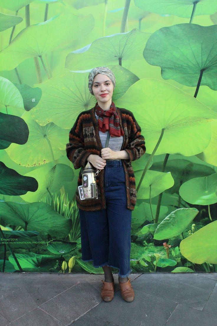 Vintagonista Vintage: vintage hijab, denim culottes, vintage autumn outfit, fall, turban hijab, novelty bag