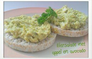 Lunchtip! Eiersalade met appel en avocado {Gemaakt. Mag wel wat meer appel in en meer kruiden, maar smaakt heerlijk. Komt vaker op het menu.}
