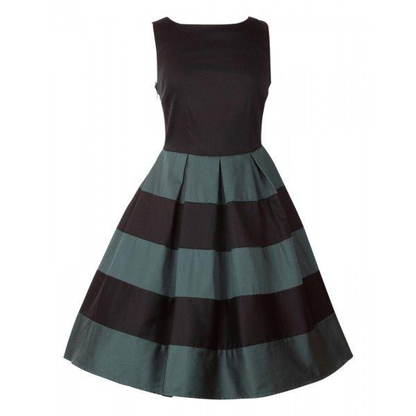 Šaty Dolly and Dotty Anna Stripe Black Green Skvělé šaty za ještě lepší cenu, které prostě musíte mít! Šaty vhodné pro slavnostnější příležitost jako je ples, večírek, narozeninová oslava, do divadla, ale stejně tak pro zaměstnané dámy. Střih ve stylu Audrey s lodičkovým výstřihem, rozšířenou sukní s pravidelnými sklady, která je tvořená širokými pruhy v černé a zajímavé lahvově zelené barvě. Kvalitní silná strečová bavlna (95% bavlna, 5% elastan) zajistí příjemné nošení, zapínání na krytý…