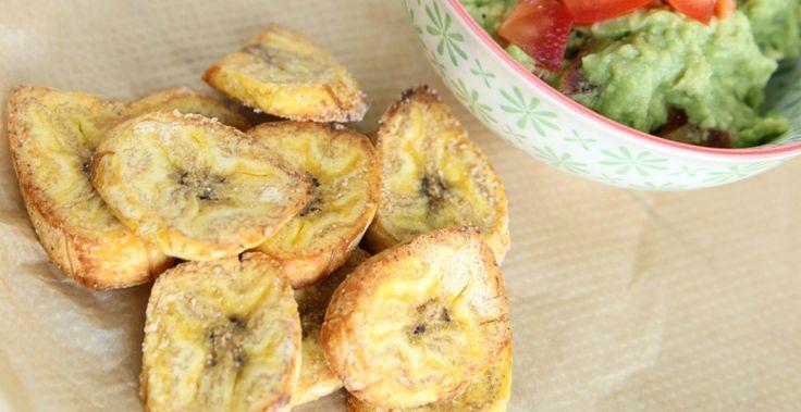 Zelf gezonde chips amken is super makkelijk met deze verse en glutenvrije bakbanaan chips. Bovendien helemaal vegan én super lekker. Serveer op feestjes of op