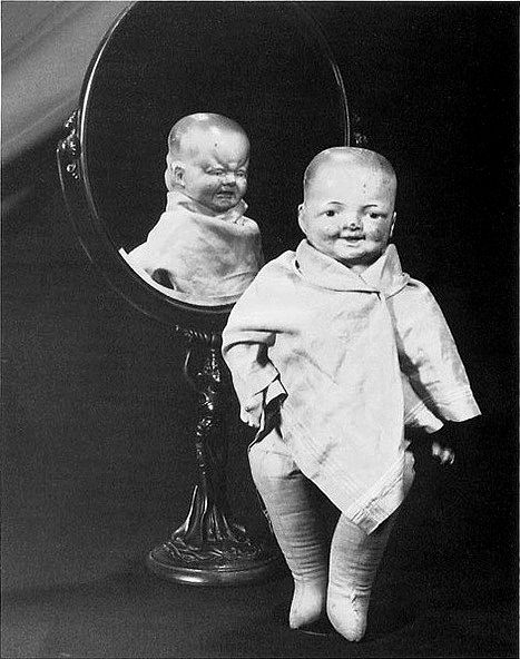 Dolls, man. They're evil in any era.Cabinets Of Curio, Mirrors, Strange, 1920, Vintage Dolls, Baby Dolls, Weird, Creepy Dolls, Halloween