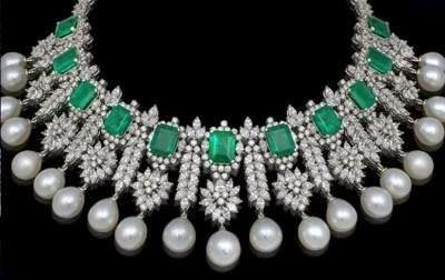 Farah Khan emeralds, pearls and diamonds necklace.