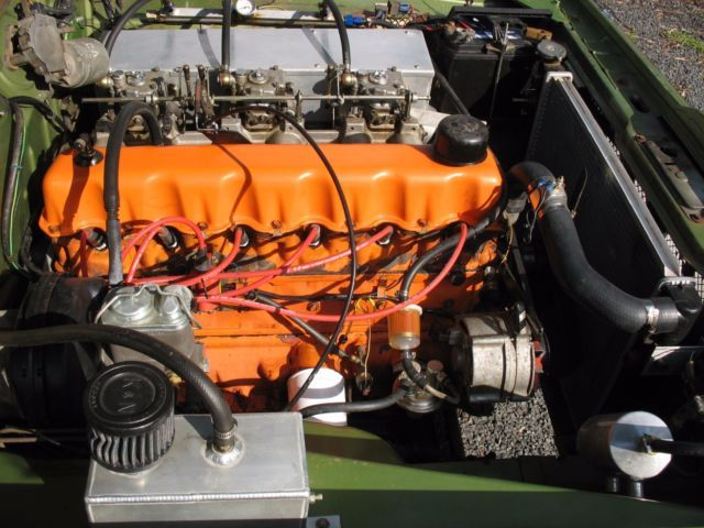 "Australian Mopar Hemi-Head ""D"" - '265' - 3x2 Barrel Side-Draft Weber Carburetion."