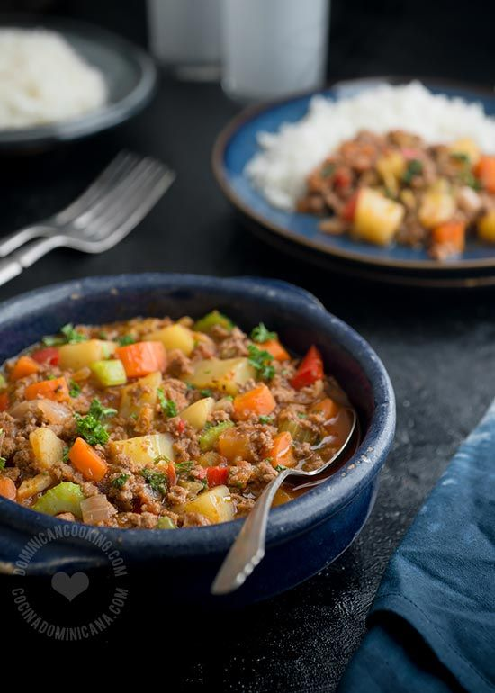 Minced Beef with Vegetables a la Dominicana