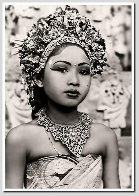Balinese dancer Source: CocoNUTS Republic™ via Old Bali (via Facebook)