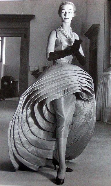 "Capucci's ""Nove Gonne"" in black & white"