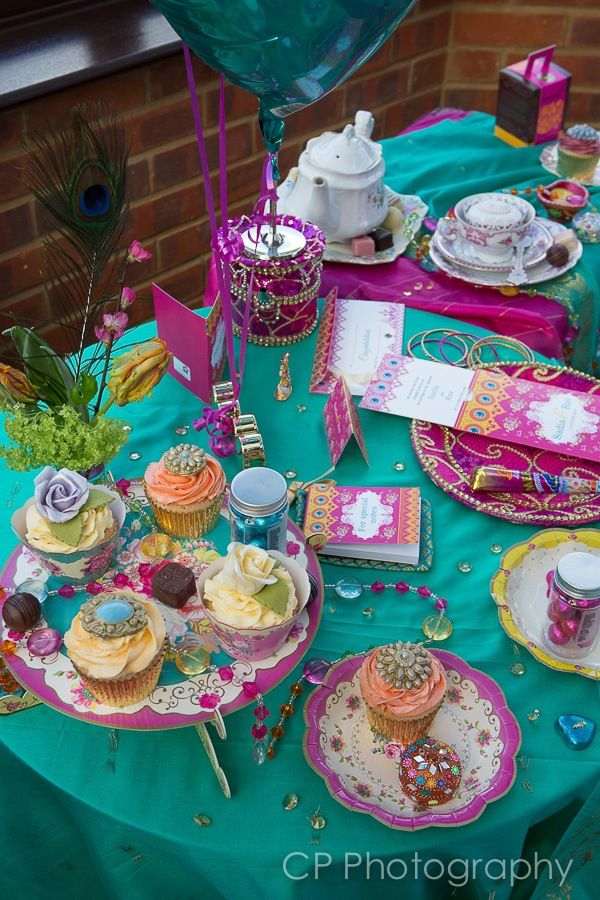 Vintage jewels of Jaipur stationery and table decorations. Bright and colourful vintage floral designs lend themselves well for weddings, celebrations, Mehndi and hen celebrations by www.fuschiadesigs.co.uk.
