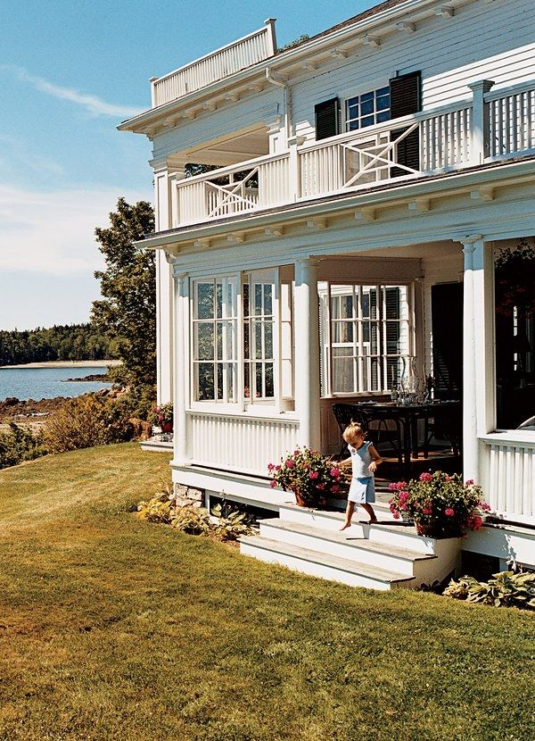 The Maine home of Vogue's Marina Rust. Photographed by François Halard, Vogue, 2006.