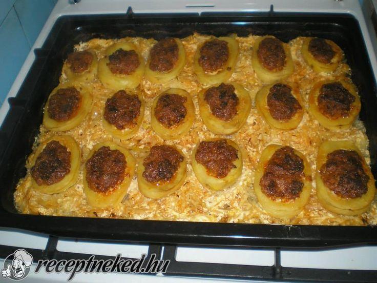 A legjobb Töltött krumpli savanyú káposzta ágyon recept fotóval egyenesen a Receptneked.hu gyűjteményéből. Küldte: Molnár Magdolna