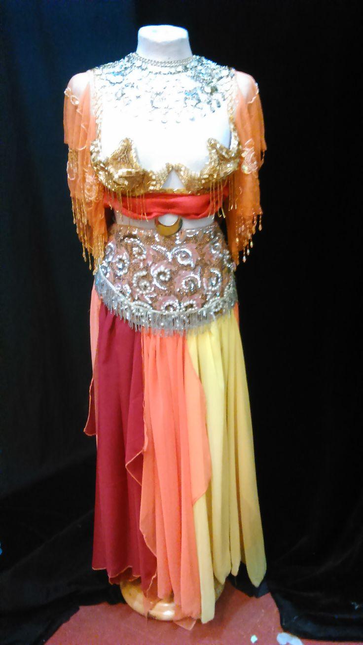 Moros y Cristianos #costumes #danzadelvientre