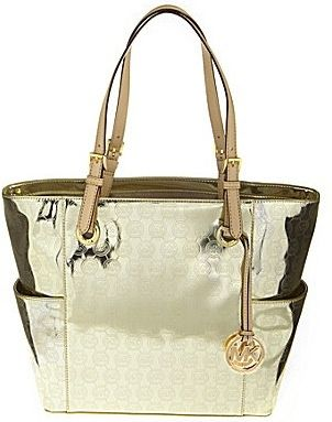 Amazing!! michael kors bags outlet sells it for only $66.00 now. Want to remember this website!!! Great deals!