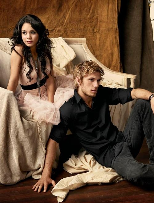 Alex Pettyfer and Vanessa Hudgens