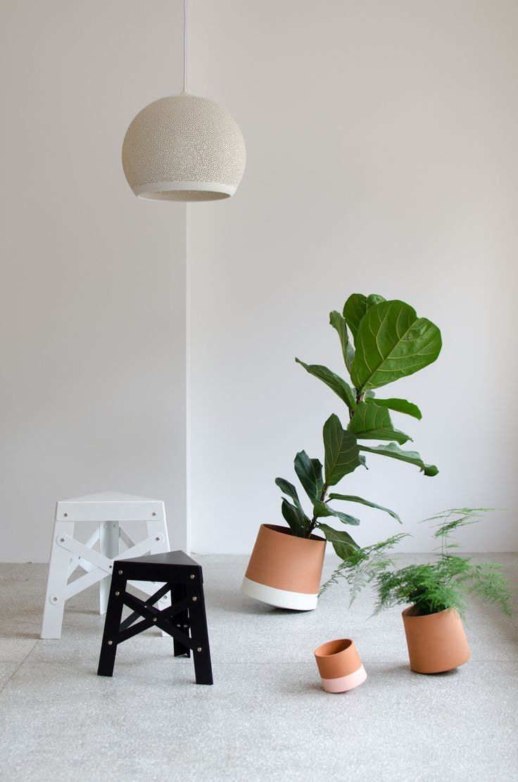 A mix of Spanish design brands represented by Noes as in the Norwegian market. Voltasol the rolling flowerpot and RS Barcelona Eiffel Stool.